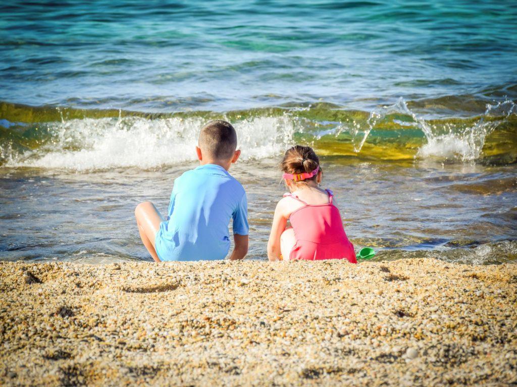 enfants soleil plage mer