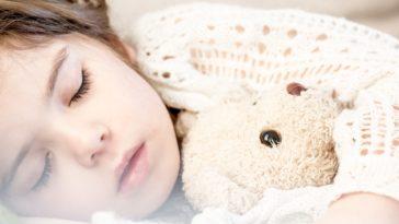 enfant dormir doudou sieste apnée du sommeil