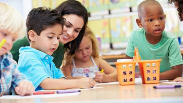 école maternelle enfants apprentissage