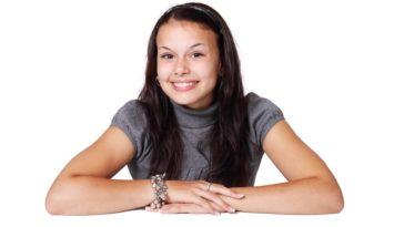 maquillage léger naturel jeune fille