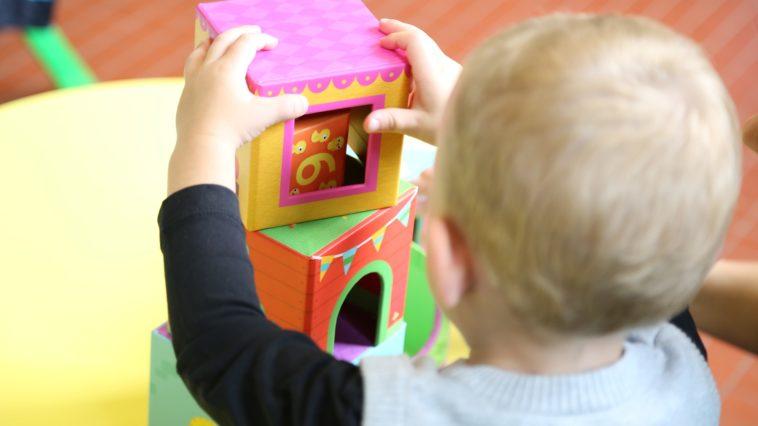 maternelle école crèche enfant bébé jeux