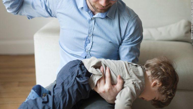 fessée punition parent enfant