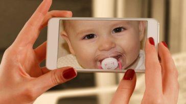 smartphone portable photo bébé empreinte numérique