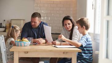 enfant devoirs maison parents école