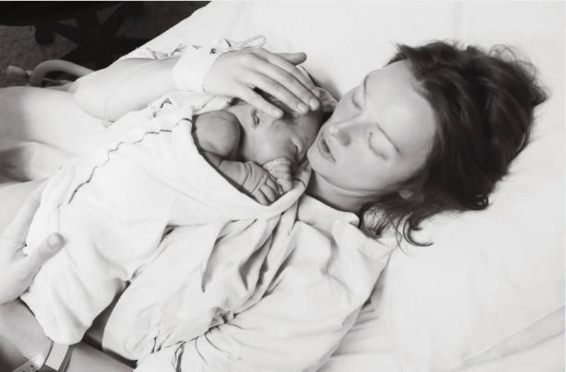 accouchement femme bébé nourrisson naissance