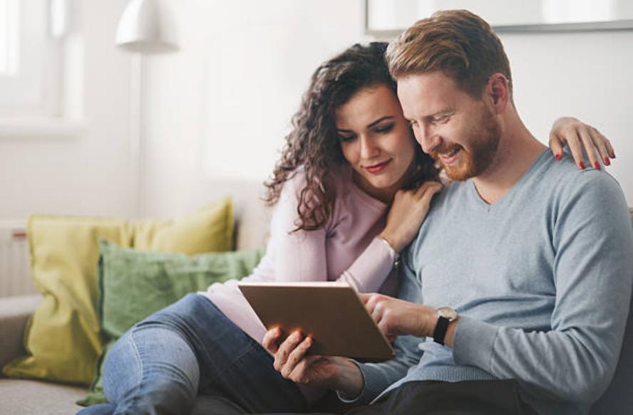 couple amour recherche internet
