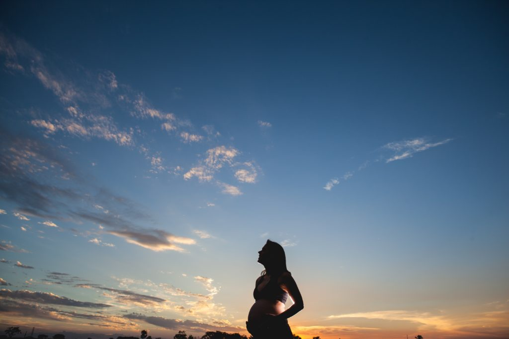 femme enceinte paysage shooting
