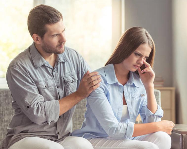 couple crise dispute triste problèmes infertilité préoccupés