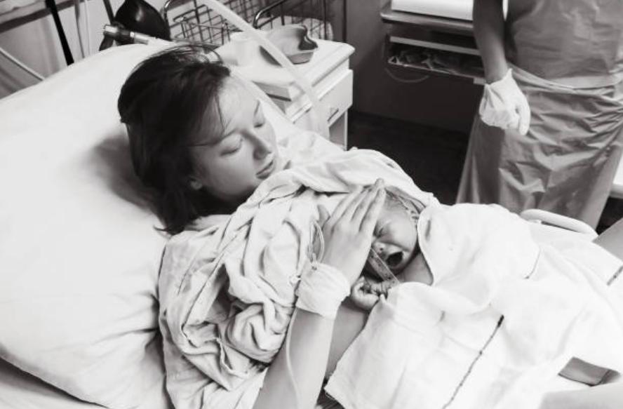 accouchement bébé femme hôpital