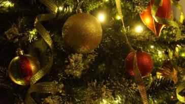 noël sapin fête de fin d'année cadeaux