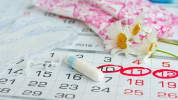 règles tampons serviettes menstruations retour de couches