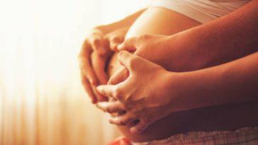 grossesse enceinte couple bébé attente père mère
