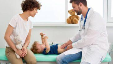 rendez-vous médecin consultation parent hôpital docteur enfant soin malade pédiatre