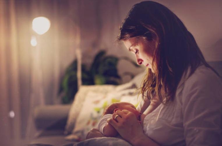 allaitement bébé enfant femme maman