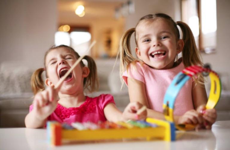 deuxième enfant enfants instruments musique chanson comptine