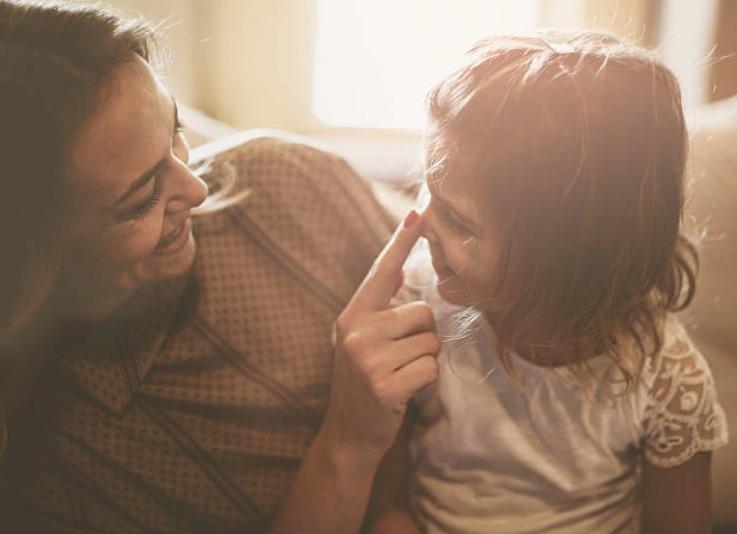 parent enfant complicité fille maman mère éducation positive