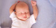 bébé nourrisson dormir sommeil