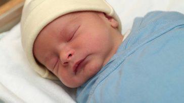bébé naissance nouveau-né nourrisson jaunisse