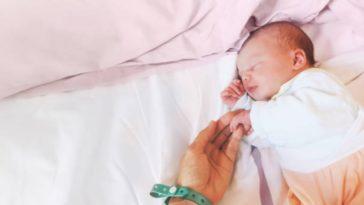bébé maternité nourrisson maman hôpital