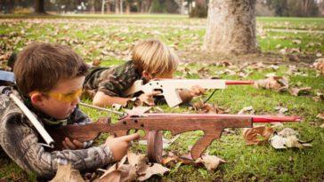 enfant armes jeux tir