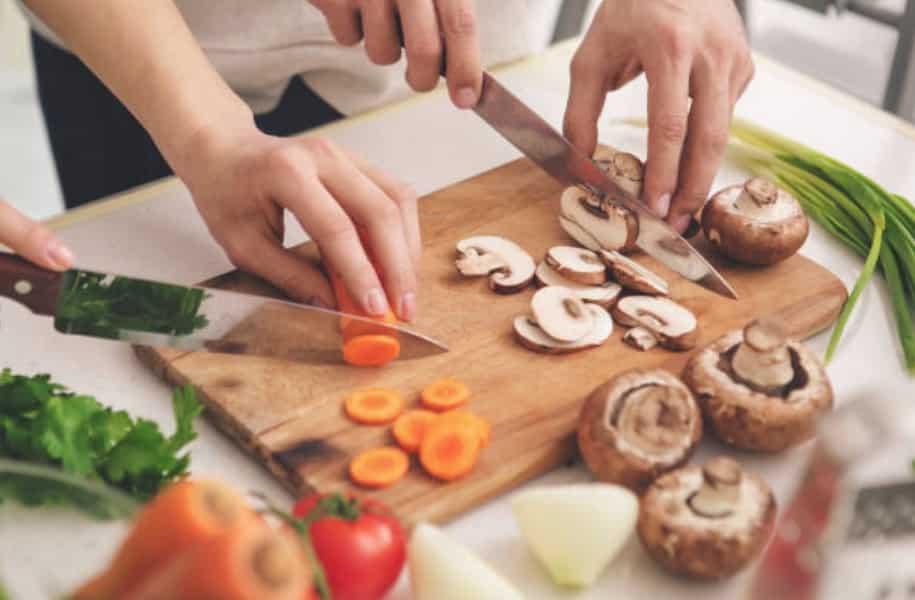 cuisine cuisiner faire à manger ingrédients aliments légumes couteaux