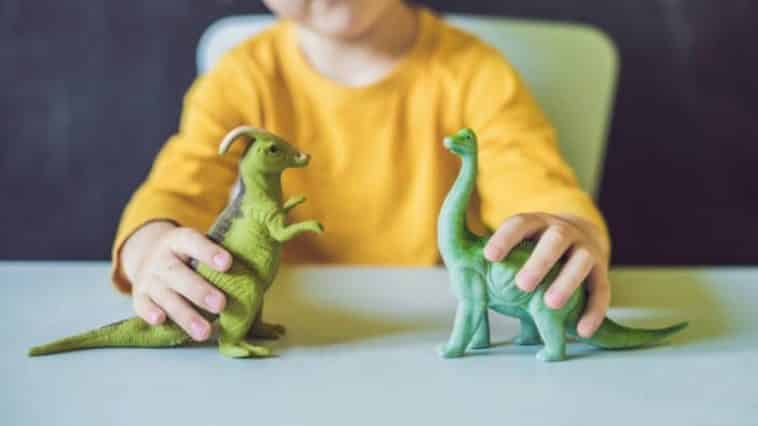 enfant jouets jouer dinosaures