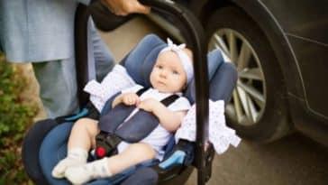 porter siège-auto cosy voiture bébé