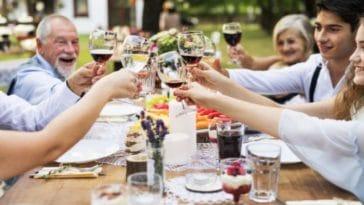 belle-famille famille repas dîner été