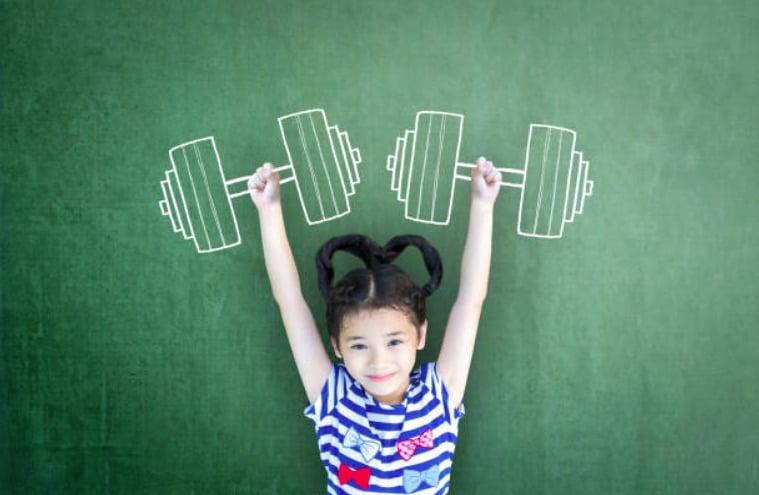 fille enfant forte force courage courageuse