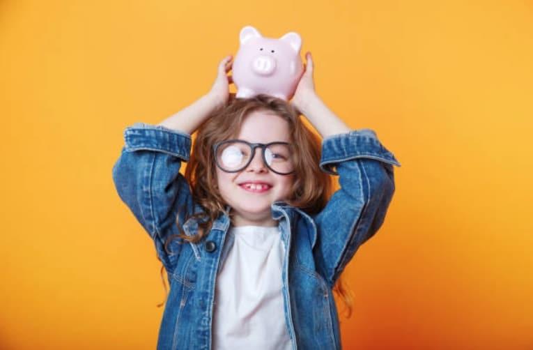 fille argent enfant economies tirelire argent de poche