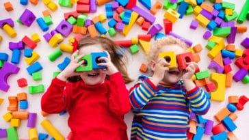 enfants jouets sexistes jouer jeux frères soeurs fratrie