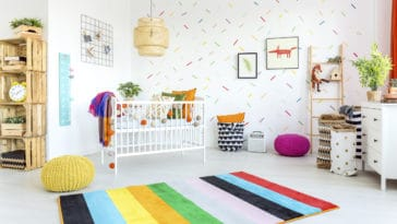chambre enfant décoration papier peint jouer jouets lit maison
