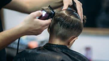 enfant garçon coiffeur cheveux don coiffure