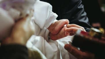 baptême église croyance cérémonie