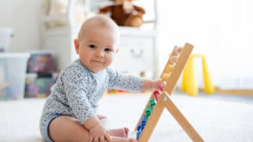 bébé apprendre jouer jeux chambre divertissement loisirs mémoire