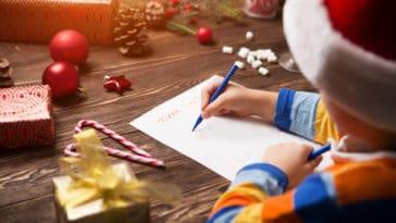 père noël écrire lettre secrétariat fête de fin d'année cadeaux enfant écrire