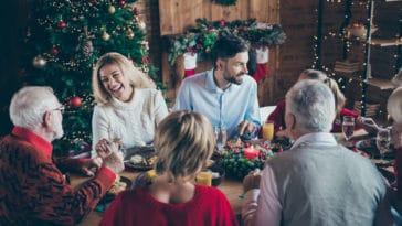noël repas famille partage fête fin d'année sapin cadeaux