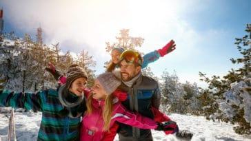 neige sports d'hiver vacances montagne famille enfants parents station ski